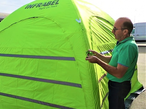 High visibility inflatable tent | Infrabel