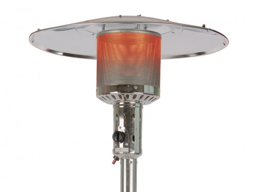 Gas patio heater with regulator
