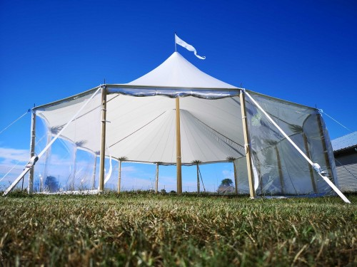 Sailcloth tent 14x38m - Passage height 2,44m - 1 King middle pole